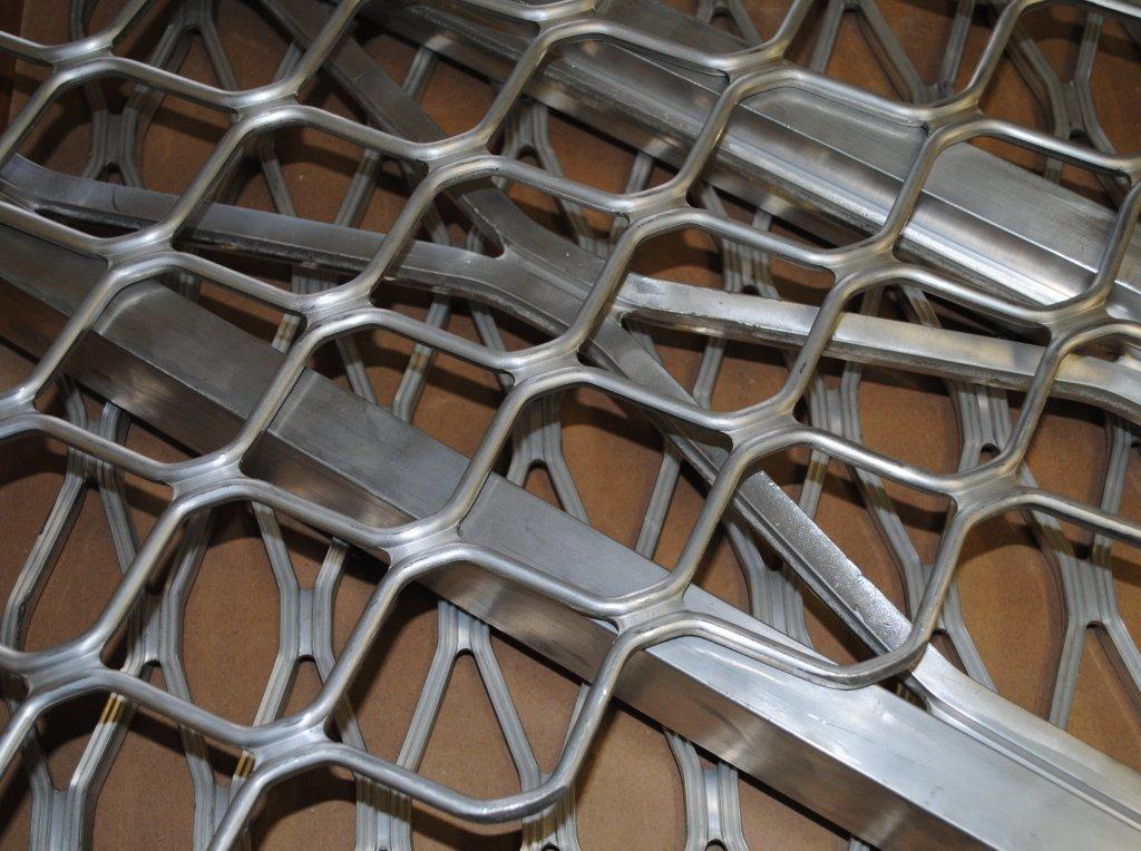 Ampliform expanded aluminium
